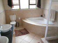 Main Bathroom - 8 square meters of property in Montana