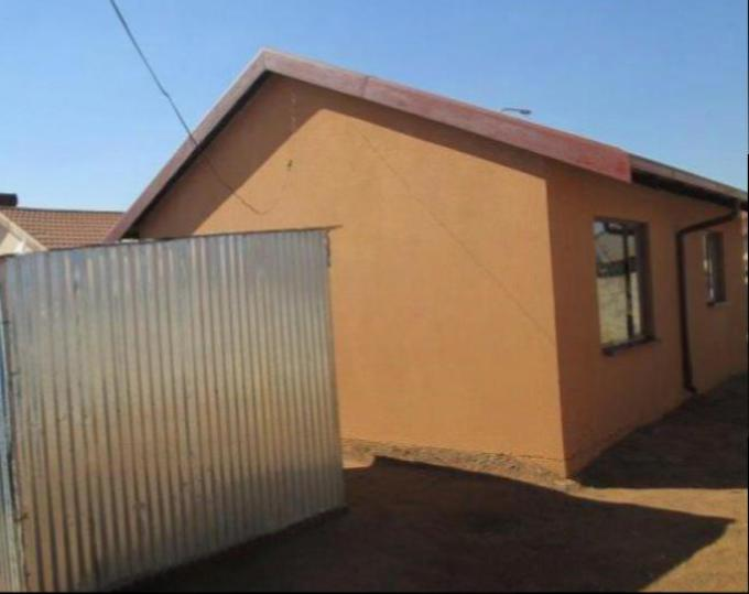 Standard Bank Repossessed 2 Bedroom House for Sale on online auction in Protea Glen - MR068173