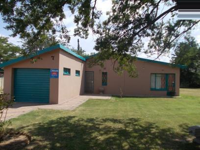 Standard Bank EasySell 3 Bedroom House For Sale in Virginia - Free State - MR068202