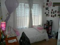 Bed Room 1 - 10 square meters of property in Corlett Gardens