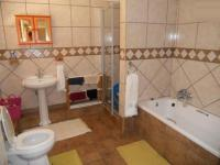Bathroom 1 - 9 square meters of property in Vaalpark