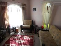 Lounges - 43 square meters of property in Birchleigh