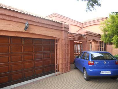6 Bedroom House for Sale For Sale in Kempton Park - Home Sell - MR068457