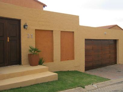 3 Bedroom Cluster For Sale in Johannesburg North - Private Sale - MR068571