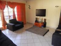 Lounges - 17 square meters of property in Lenasia