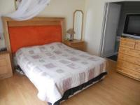 Main Bedroom - 17 square meters of property in Buccleuch