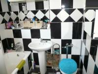 Main Bathroom - 5 square meters of property in Pretoria Central