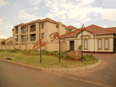 Standard Bank EasySell 3 Bedroom Sectional Title for Sale For Sale in Vanderbijlpark - MR068981