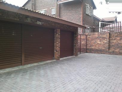 3 Bedroom Duplex For Sale in Randburg - Home Sell - MR069009