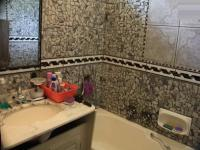 Main Bathroom - 8 square meters of property in Silverton
