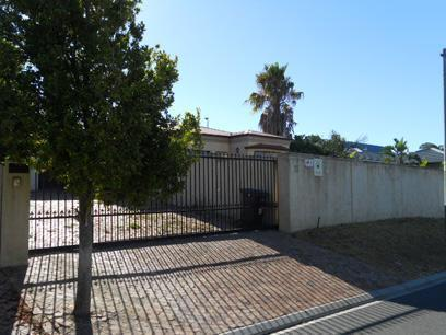 Standard Bank EasySell 3 Bedroom House For Sale in Bellville - MR069083