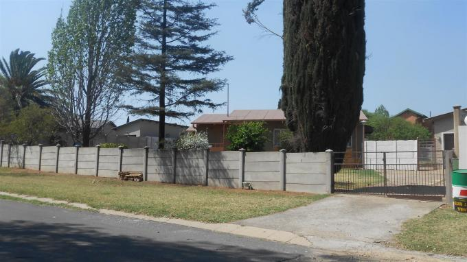 Standard Bank Insolvent 3 Bedroom House for Sale on online auction in Emalahleni (Witbank)  - MR069086