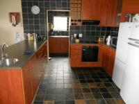 Kitchen - 18 square meters of property in Oude Westhof
