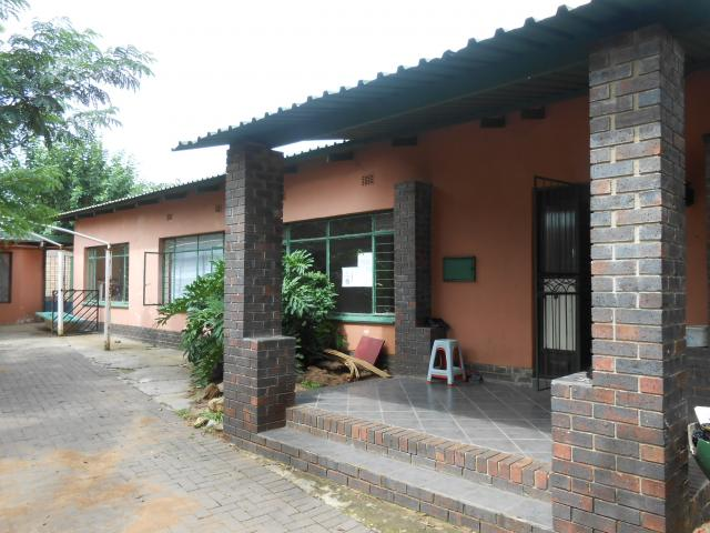 Standard Bank Repossessed 3 Bedroom House for Sale on online auction in Rustenburg - MR069514