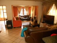 Lounges - 20 square meters of property in The Orchards
