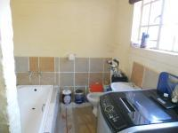 Bathroom 2 - 6 square meters of property in The Orchards