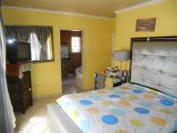 Main Bedroom - 14 square meters of property in The Orchards