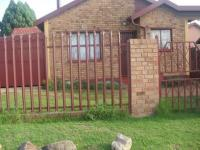 2 Bedroom 1 Bathroom in Daveyton