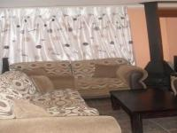 Lounges - 33 square meters of property in Daveyton