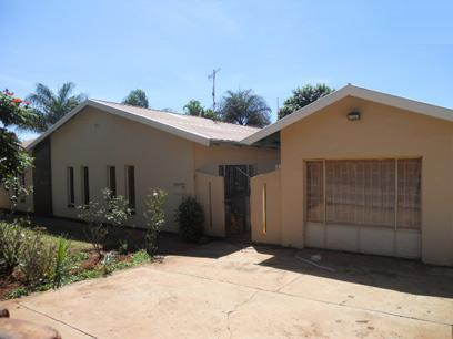Standard Bank EasySell 4 Bedroom House For Sale in The Orchards - MR069790