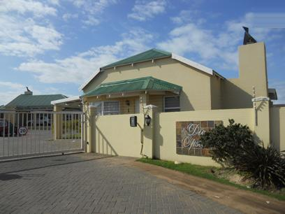 Standard Bank EasySell 3 Bedroom Sectional Title For Sale in Jeffrey's Bay - MR069889