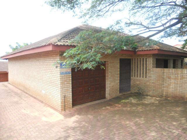 Standard Bank Repossessed 3 Bedroom Sectional Title on online auction in Mtunizini - MR069902
