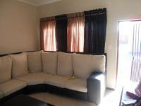 Lounges - 15 square meters of property in Alberton
