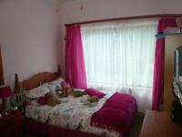 Bed Room 1 - 13 square meters of property in Amandasig