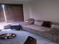 Lounges - 10 square meters of property in Albemarle