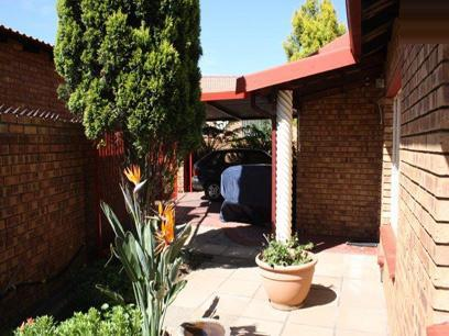 3 Bedroom House for Sale For Sale in Emalahleni (Witbank)  - Private Sale - MR070281