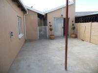 Spaces - 38 square meters of property in Lenasia