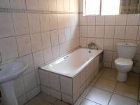 Bathroom 1 - 14 square meters of property in Bosmont