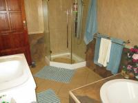 Bathroom 3+ - 12 square meters of property in Rant-En-Dal