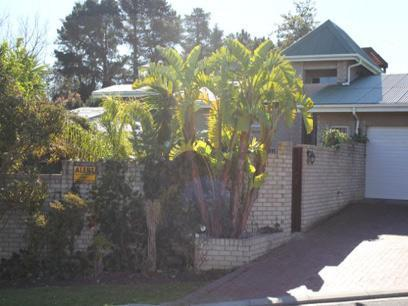3 Bedroom House for Sale For Sale in Somerset West - Private Sale - MR071134