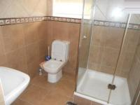 Bathroom 1 - 14 square meters of property in Gansbaai