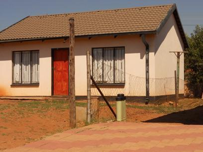 Standard Bank EasySell 2 Bedroom House For Sale in Kagiso - MR071522