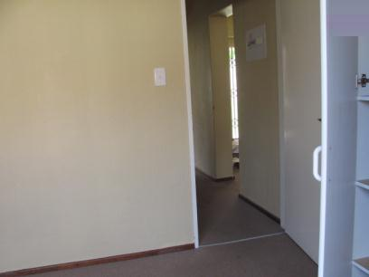 Standard Bank EasySell 2 Bedroom Sectional Title for Sale For Sale in Halfway Gardens - MR071537