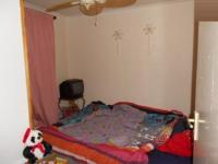 Bed Room 1 - 7 square meters of property in Weltevreden Park