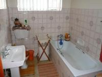 Main Bathroom - 6 square meters of property in Claremont