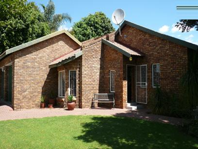 2 Bedroom House for Sale For Sale in Theresapark - Home Sell - MR07215