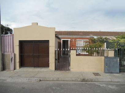 2 Bedroom House for Sale For Sale in Mitchells Plain - Home Sell - MR072285