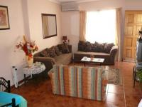 Lounges - 20 square meters of property in Eloffsdal