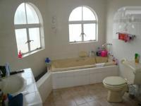 Main Bathroom - 9 square meters of property in Glen Austin A.H.