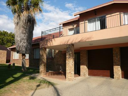 5 Bedroom House For Sale in Rooihuiskraal - Private Sale - MR07242