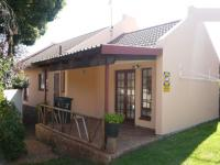 3 Bedroom 2 Bathroom in Die Hoewes