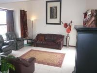 Lounges - 32 square meters of property in Parklands