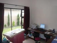 Bed Room 1 - 10 square meters of property in Parklands