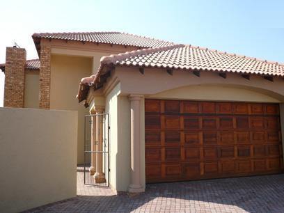 3 Bedroom House for Sale For Sale in Silver Lakes Golf Estate - Home Sell - MR07256
