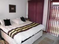 Main Bedroom - 24 square meters of property in Faerie Glen