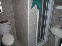 Bathroom 2 - 2 square meters of property in Faerie Glen